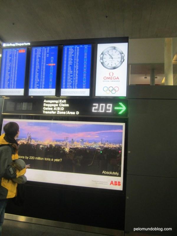 Painel que indica o tempo que falta para o trem chegar.