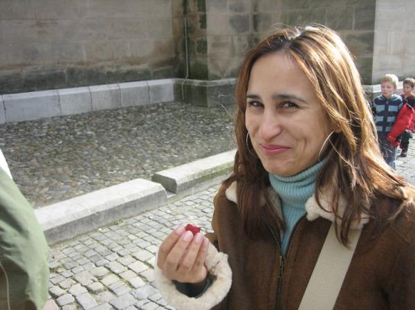 Comendo framboesa pela primeira vez - Lausanne - Suíça