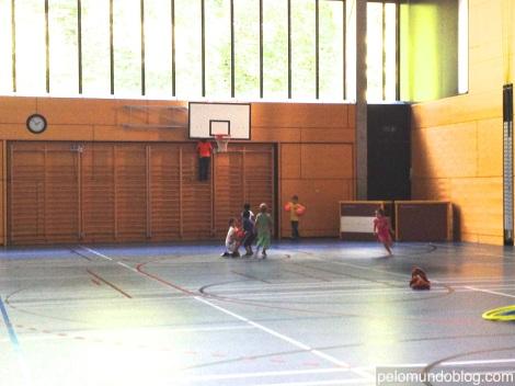 Kinderturnen, no ginásio da cidade.
