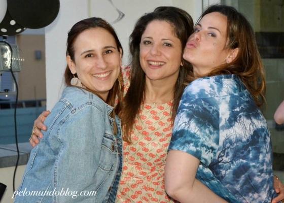 Com minhas amigas Sheila (aniversariante) e Fernanda.
