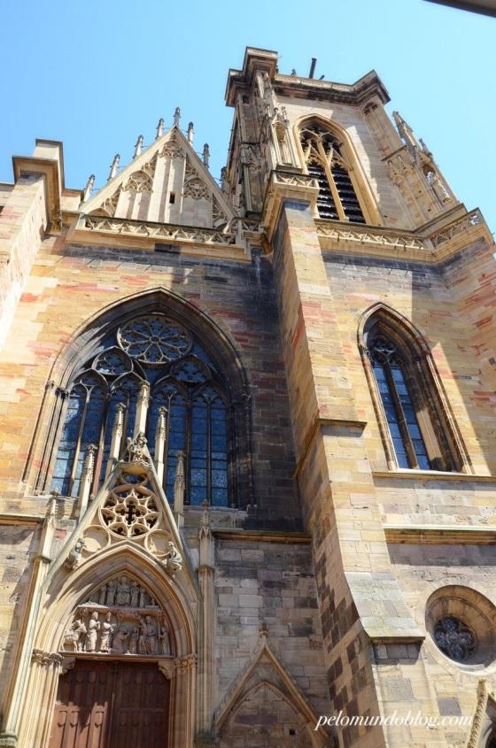 Catedral Saint-Martin, construída entre os anos de 1234 e 1365.