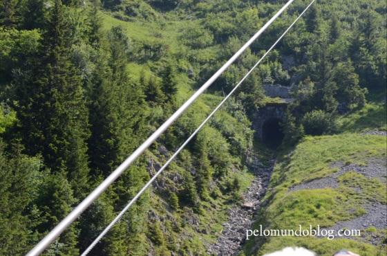 Este túnel era do antigo funicular que ia até o topo do Stanserhorn.
