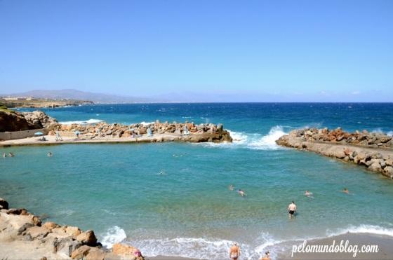 A praia do hotel. Água calma e quente.