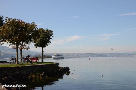 Rota dos barcos de turismo que partem de Zurique, chegar pelo lago é uma das formas de ir até Rapperswil.