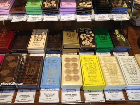 Os chocolates que a confeitaria também faz.
