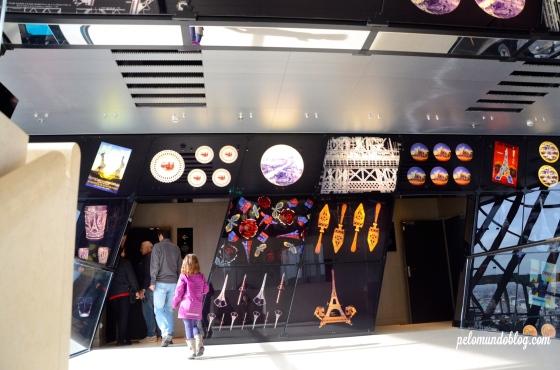 Entrada o Studio Gustave Eiffel, onde passam o video sobre as iluminações que a torre já recebeu.