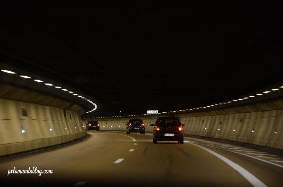 O túnel mega baixo.