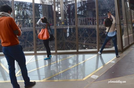 A parte transparente fica nos cantos da torre.