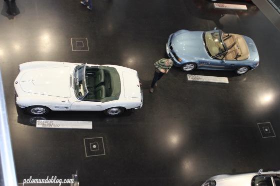 Carros expostos no Museu da BMW.