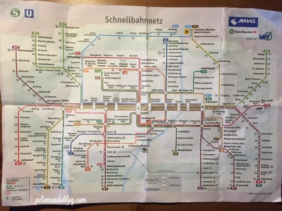 Linhas de S-bahn e U-bahn.
