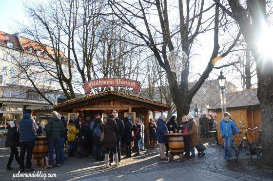 A banquinha que vendia vinho quente (Glühwein). Uma das mais concorridas.
