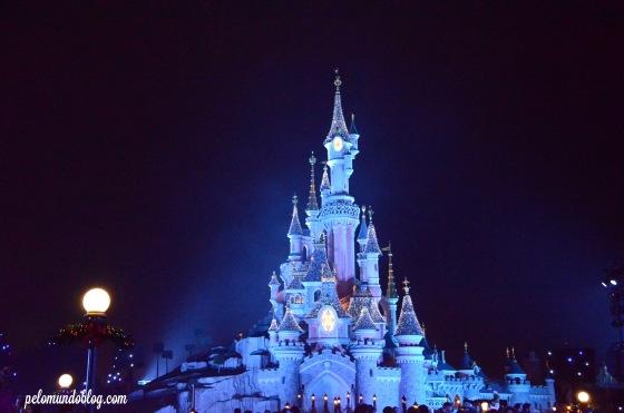 O castelo fica mais lindo de noite!