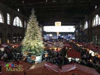 Mercado de Natal na estação de Zurique.